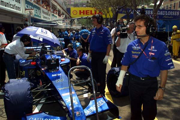 Formula One 2011 : News, Infos, Articles en vrac - Page 12 00-pit-mon